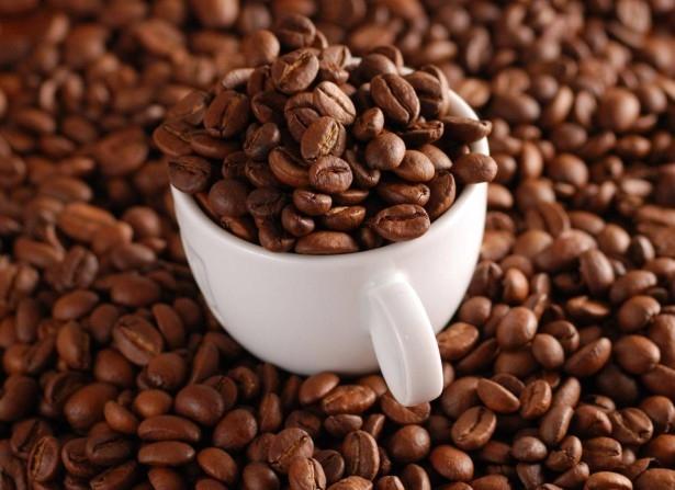 cách khử mùi nhà bếp bằng hạt cà phê