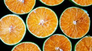 sử dụng vỏ cam để khử mùi hôi trong bếp