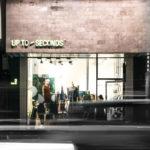Tạo mùi thơm cho cửa hàng thời trang Up to second