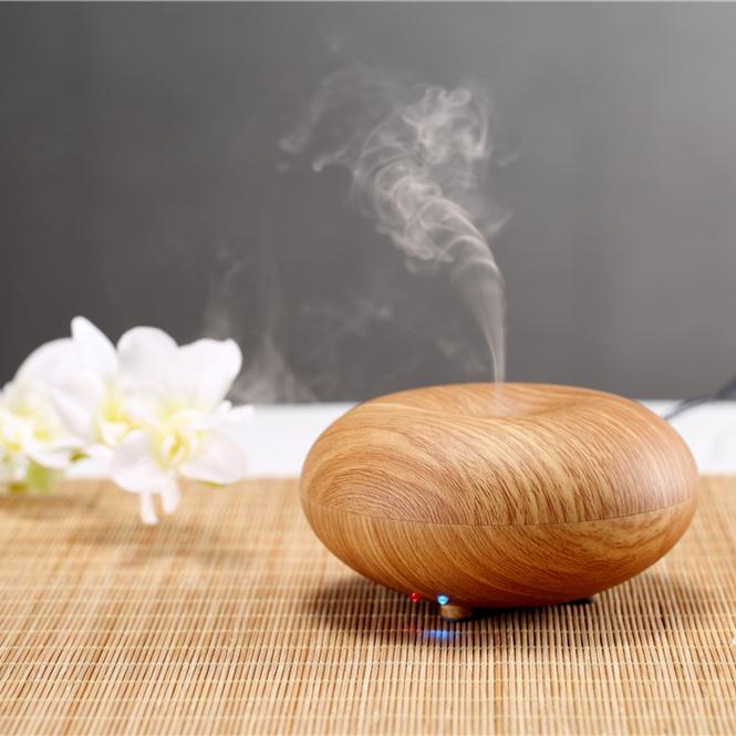 Máy tỏa hương mang đến hương thơm, đồng thời lầm thach sạch không khí