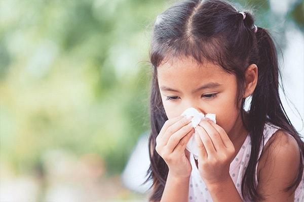 Ngừa virus corona cho trẻ nhỏ bằng cách thăm khám kịp thời khi trẻ có biểu hiện bệnh