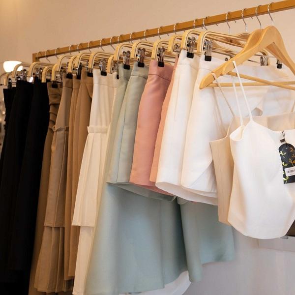 Việc tạo nên không gian mua sắm thoải mái là điều mà mọi shop thời trang quan tâm