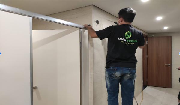 SS-TL 3380 tạo mùi cho phòng vệ sinh khách sạn